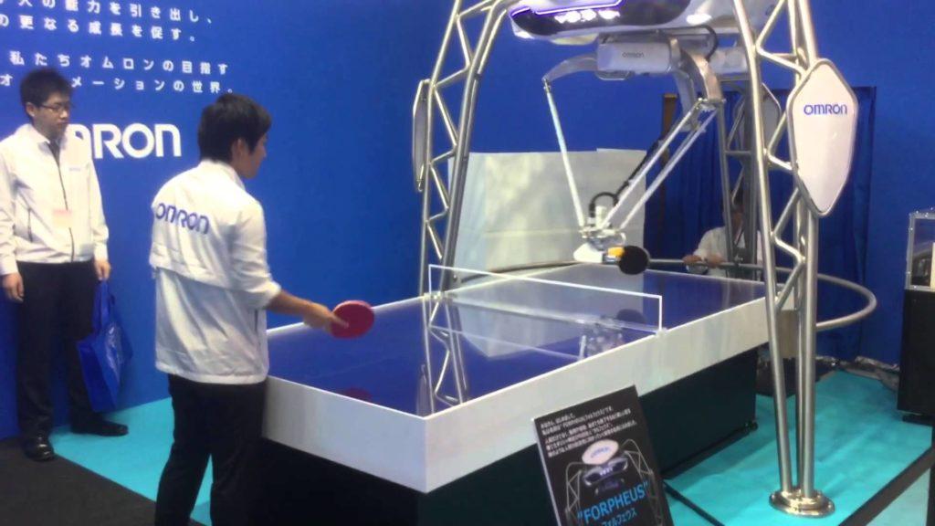 Forpheus, le robot joueur de ping-pong de l'entreprise Omron
