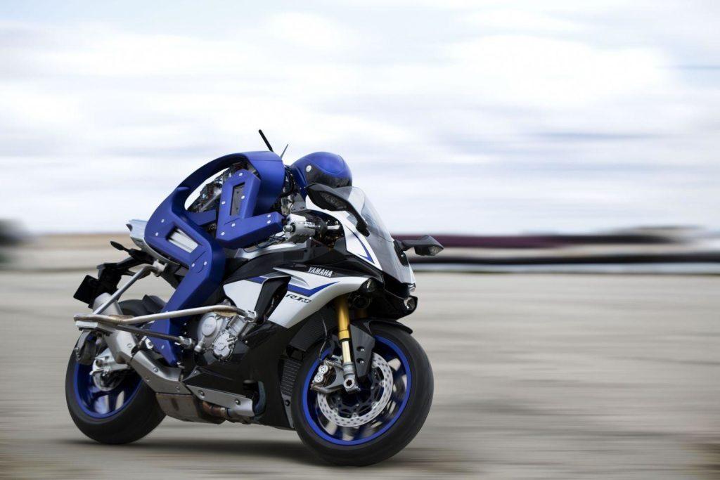 Motobot, le robot humanoïde de Yamaha capable de piloter une moto